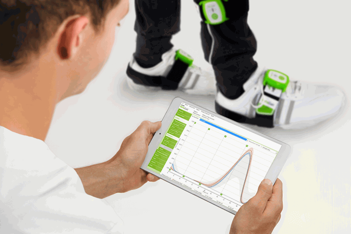 RehaGait-measurement-with-tablet
